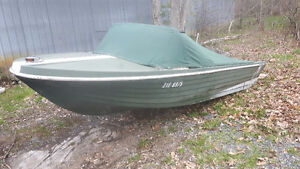 VINTAGE 15' FIBREGLASS RUNABOUT FREE!!!!