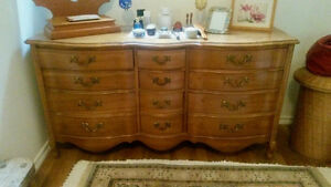 Jolie commode style XIXe siècle / early-American style dresser