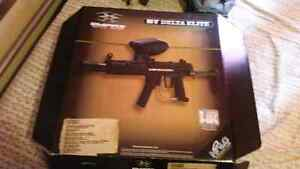 Band new delta elite paintball gun and gear ($350 OBO)