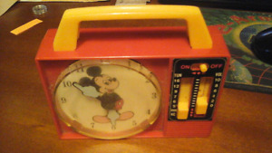Disney Mickey Mouse Wind up Musical Radio Clock