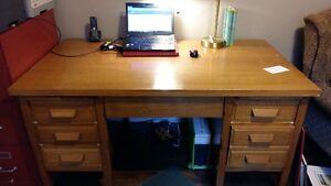 Fabulous Classic Oak Desk