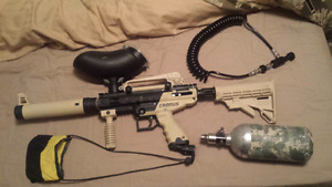 Tippmann Cronus paintball set.