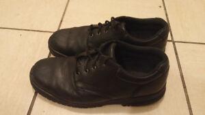 chaussure de securite en cuir noir  pointure 9