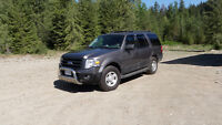 2010 Ford 4x4 Expedition XLT SUV, Crossover