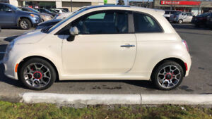 2012 FIAT 500 WHITE LOW KMS & ONLY $6000 LOCAL CAR