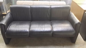 Leather couch - Free to a good home (excellent condition)