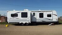 2013 Jayco 33RLDS Travel Trailer - 33' - 2 Huge Slides +1