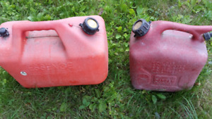 Gas jerry cans