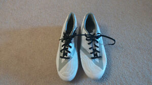 Umbro cleats size 10.5 (barely used) + Nike shin guards M