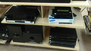 BLU-RAY, DVD AND DVD/VHS PLAYERS