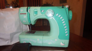 Janome hellokitty sewing machine Peterborough Peterborough Area image 1