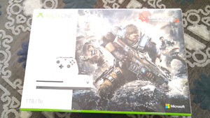 Xbox One S 1TB Gears of War Bundle