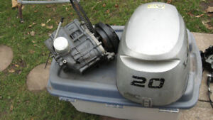 20HP Honda Outboard Parts Motor 2003