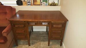 Solid wood desk $100 obo