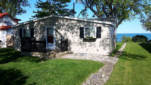 Lakefront Cottage, Grand Bend. Weekly Rental