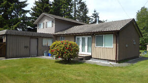 Campbell River -Willow Point Home on Huge lot