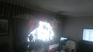 window curtains  fit 2 big window  for sale London Ontario image 2