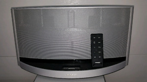 "10"" Bose stereo system for iPhone users"