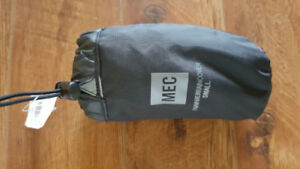 MEC waterproof panier cover, small, unused