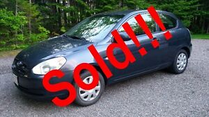 2009 Hyundai Accent Hatchback -Auto!-Air! -LOW mileage! No Rust!