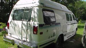 1990 Dodge Leisure Travel Camper Van