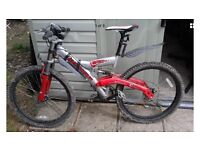 Lovely Shockwave Dirt 4 mountain bike with extras