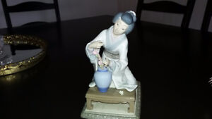 LLADRO Ordiment hand made in spain. Great Xmas gift.