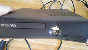 Xbox 360 Slim Good Condition with Turtle Beach Headset