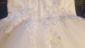 WEDDING DRESS FOR SALE - SIZE 12, NEW, $700 OBO