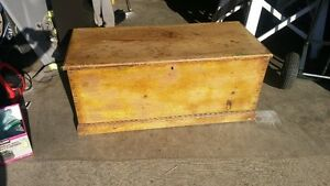 VINTAGE ANTIQUE BLANKET BOX OLD YELLOW PAINT
