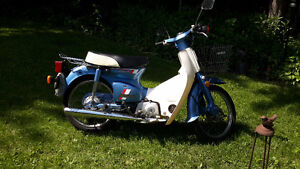 GREAT VINTAGE COLLECTIBLE 1983 HONDA CUB 70 PASSPORT