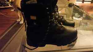 WOLVERINE SAFETY TOE BOOTS