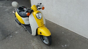 2005 HONDA JAZZ SCOOTER LOW KMS BRAND NEW CONDITION