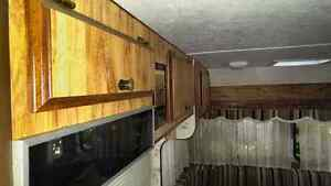 1984 single axle 18ft fifth wheel trailer