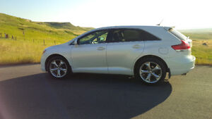 2012 Toyota Venza,like new condition ,AWD ,only 41200 kms!