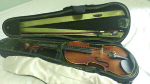wooden violin 3/4 UNIVERSAL with bow and FREE case AND rosin.