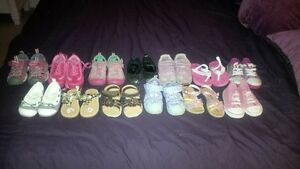 lot of toddler girl shoes size 6/7