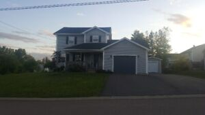 ***Move-in ready home ! in Dieppe!***