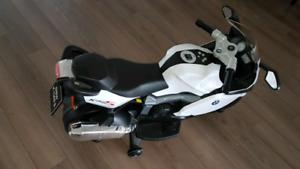 Kids Ride-on Bmw k1300s 12volt motorcycle