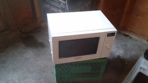 Panasonic microwave in like new condition...