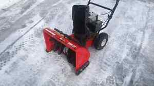 MTD 5/22 2 STAGE SNOWBLOWER