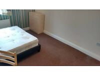 BIG DOUBLE, MODERN 3 beds FLAT in Shadwell!!!!!!!!!!!! **couples ok**