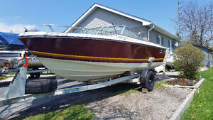 19 ft Doral Bowrider with trailer