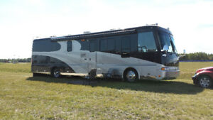 Beaver 40' Motorhome, 2 Slides, 46,000Miles, Excellent Condition