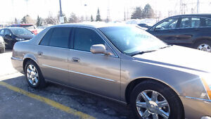 2006 Cadillac DTS Sedan - Comfort and Style!