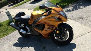 Suzuki Hayabusa GSX1300R with all the riding gears - $8000