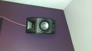 Klipsch synergy surround speskers for sell
