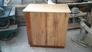 Armoire de rangement avec portes en bois de grange