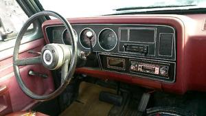 1983 dodge d150 original 72000km needs work BEST OFFER