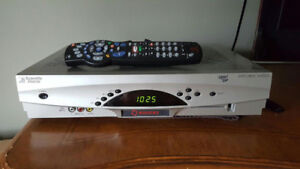 ROGERS 8300HD NEXTBOX EXPLORER 160GB HD PVR - REMOTE CONTROL
